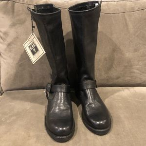 Veronica tall Frye boots size 11 NEW
